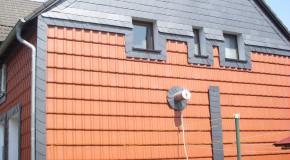 Giebel-/Fassadenverkleidung mit Ziegeln und Schiefer